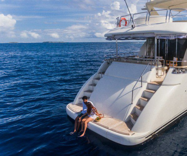 5 reasons to discover the Maldives with luxury yacht Nawaimaa