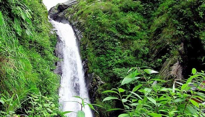 Top 12 Waterfalls In Himachal Pradesh That Are A Must-Visit
