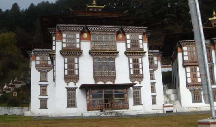 it is a large, active and important Temple Complex of Buddhist Temple