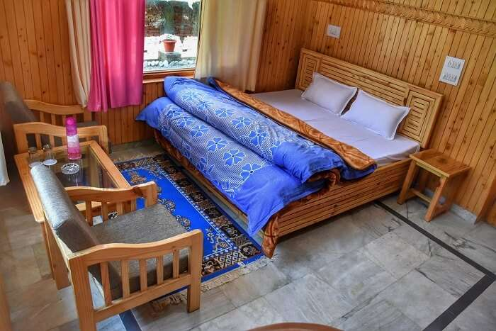 stay at Green Alpine tirthan