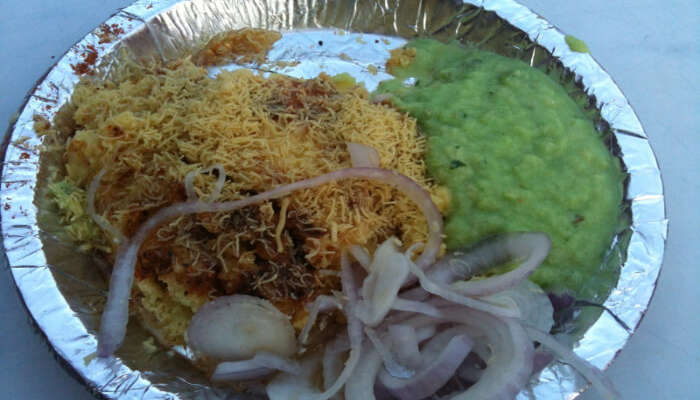 18 Famous Street Foods In Surat For Tickling The Foodie In You