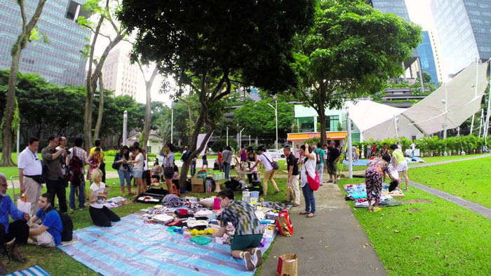 Free market in Singapore is a very free place to visit in Singapore where everything is up for grabs