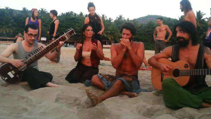 A group of hippies enjoy trance music that makes them forget all worries in life.